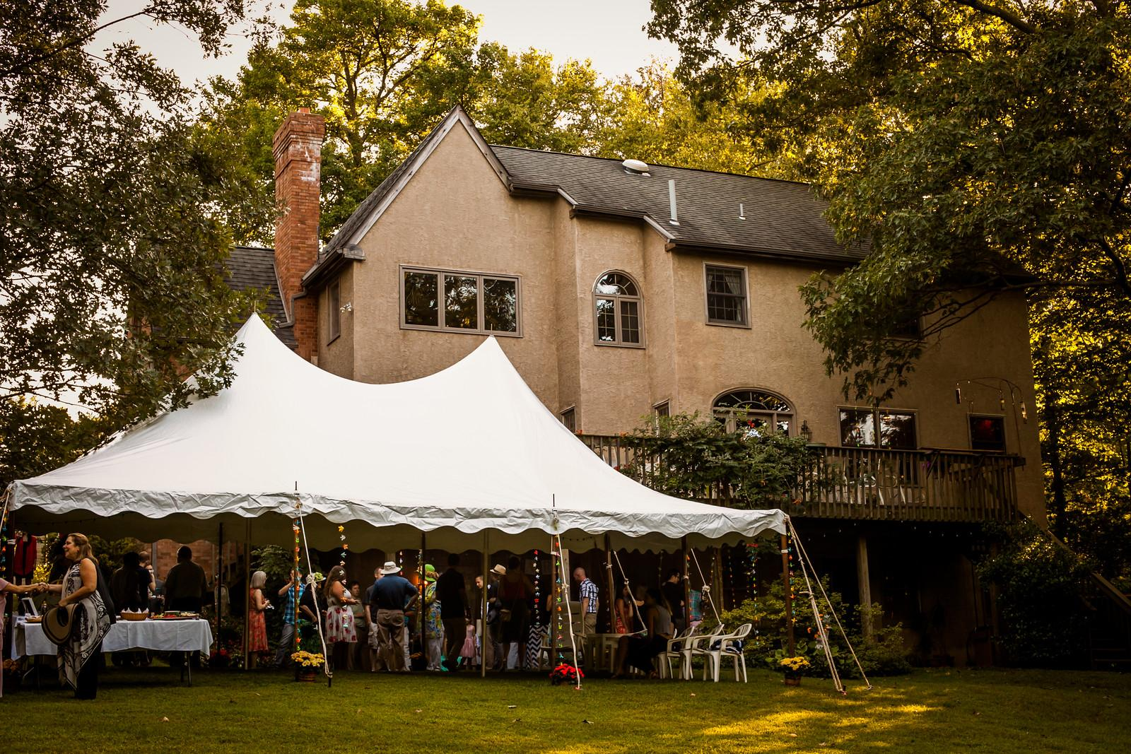 MIL had the foresight to rent a tent in case of rain or too much shine. Photo by Wide Eyed Studios
